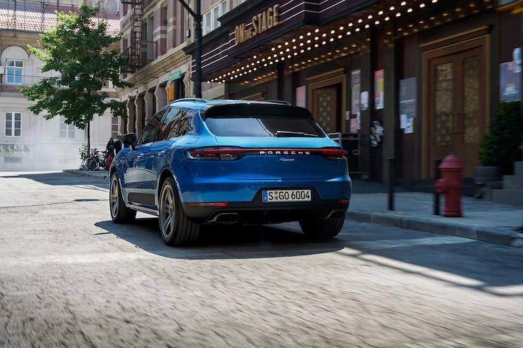2019 Porsche Macan Exterior Sapphire Blue Rear Quarter 01