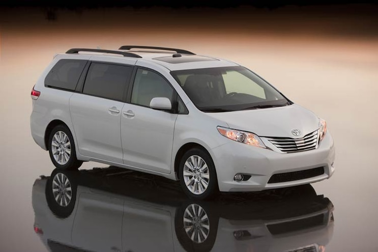 2011 Toyota Sienna Photo Gallery: What's New for 2011