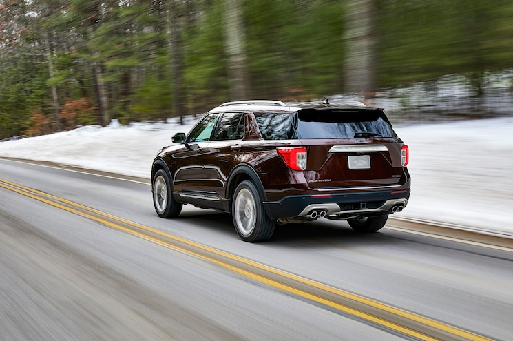 2020 Ford Explorer Platinum Exterior Rear Quarter 01
