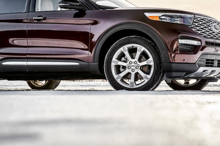 2020 Ford Explorer Platinum Exterior Front Quarter Details
