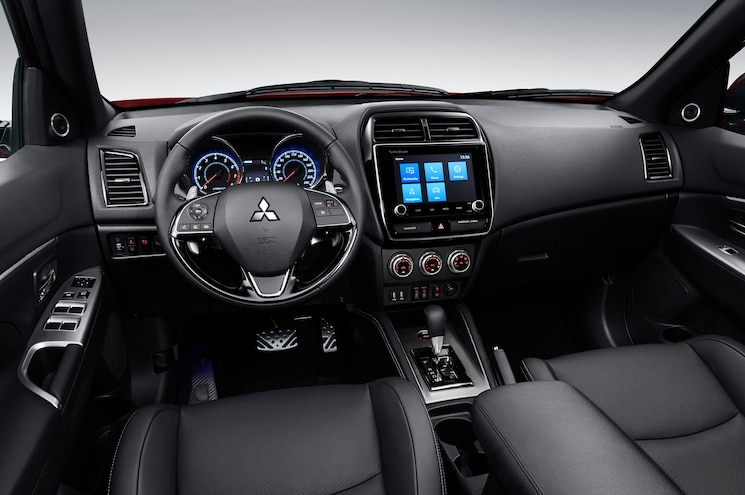 2020 Mitsubishi Outlander Sport Interior Dashboard