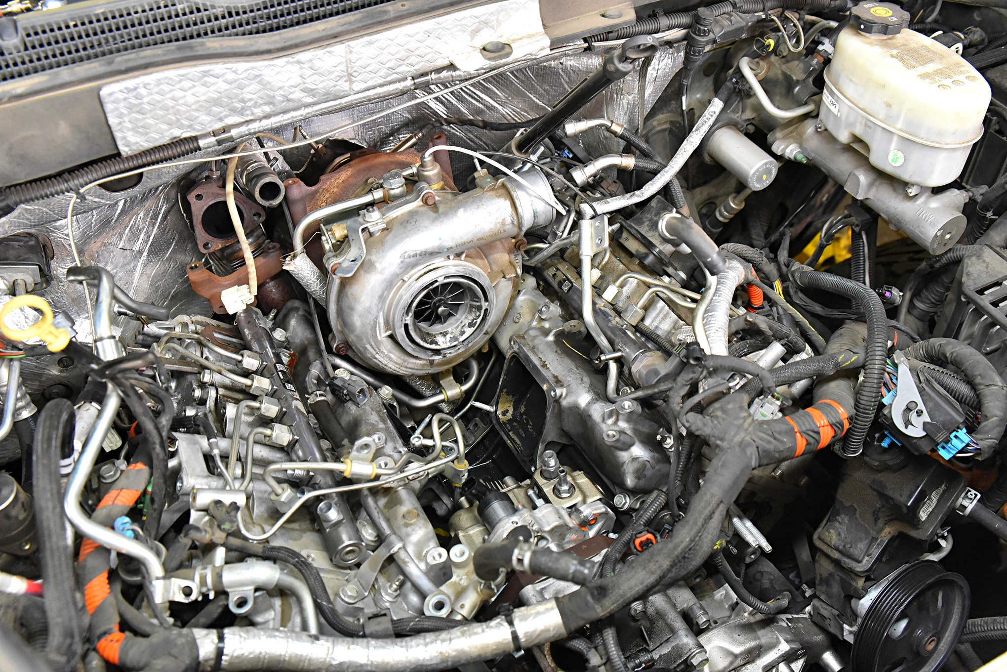 6.6L Duramax injector install installation return line kit Chevrolet Chevy 6.6L
