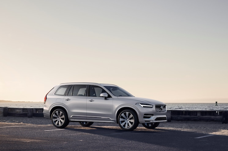 2020 Volvo Xc90 Inscription Exterior Front Quarter 01