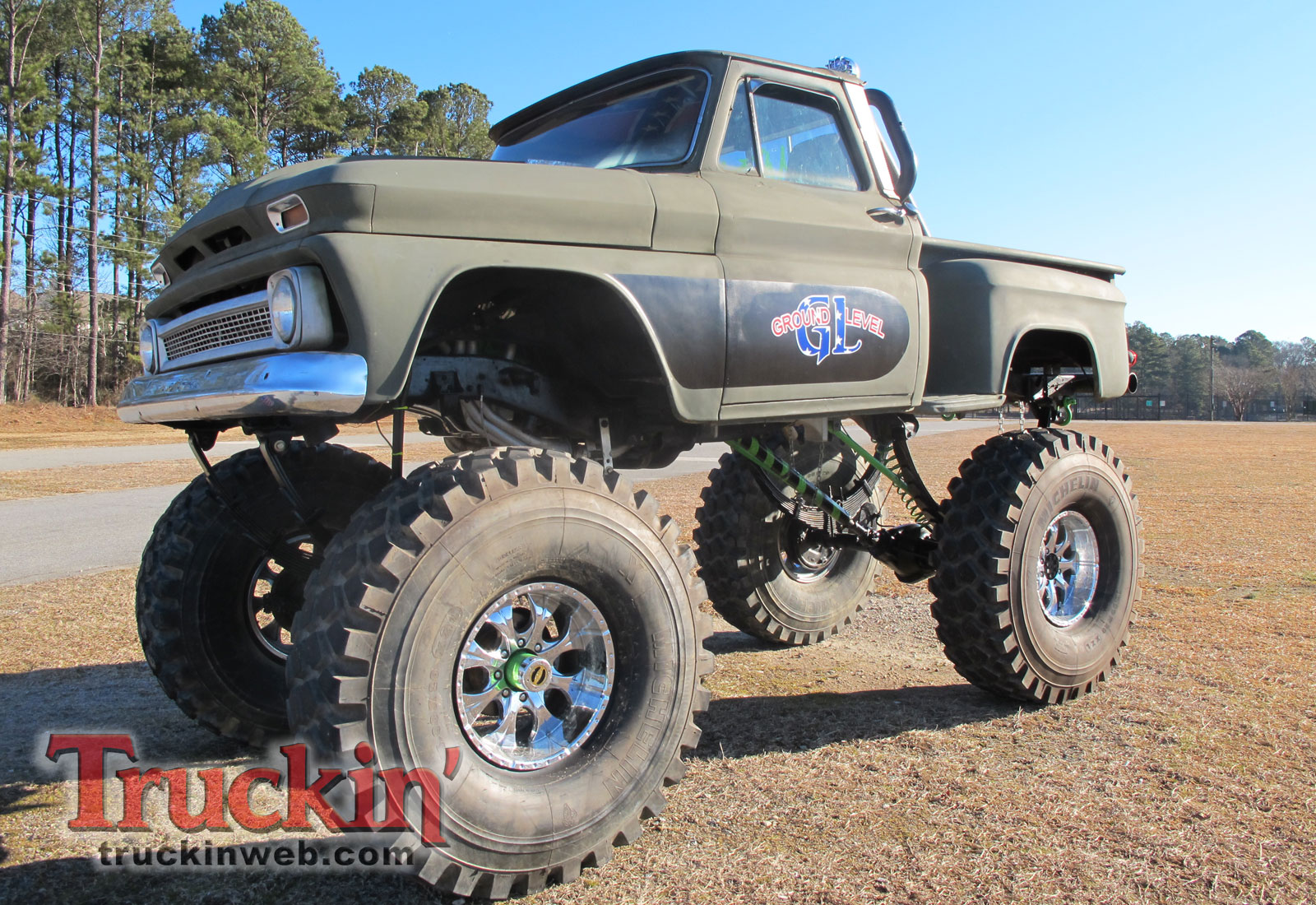 2010 Blooddrag Custom Truck Show - Web Exclusive Photo