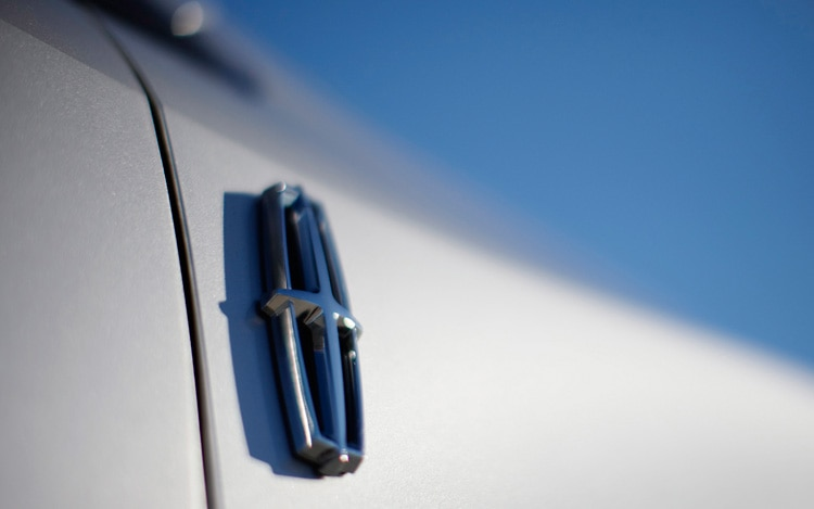 2011 Lincoln MKX Exterior Badge