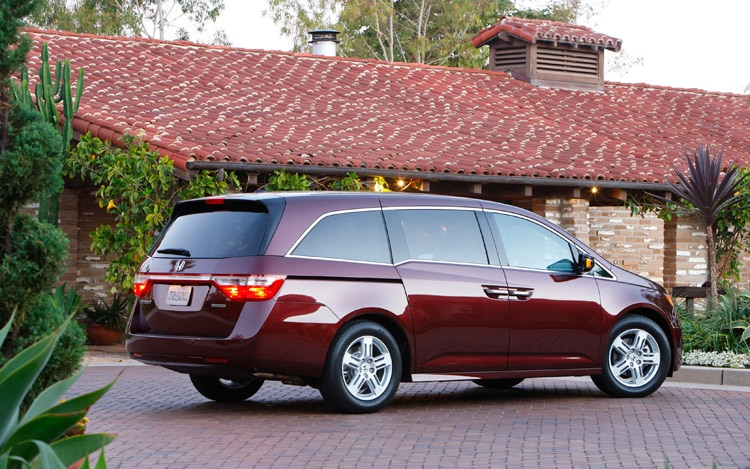 2011 Honda Odyssey Touring Rear Three Quarter
