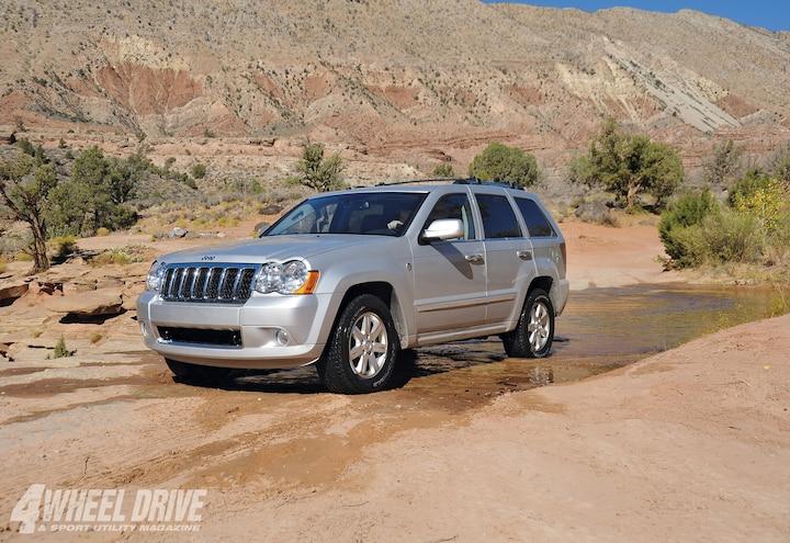 2009 Jeep Grand Cherokee left Side Angle