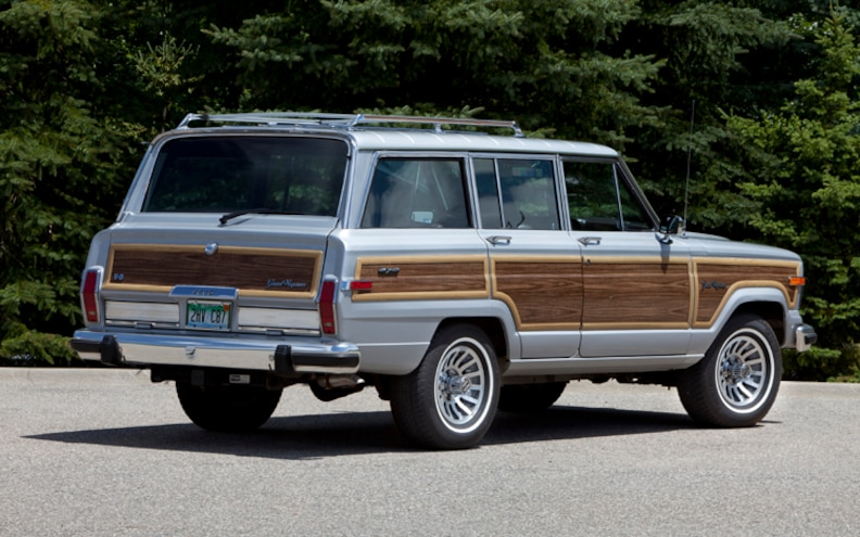 1989 Jeep Grand Wagoneer Rear Three Quarter View