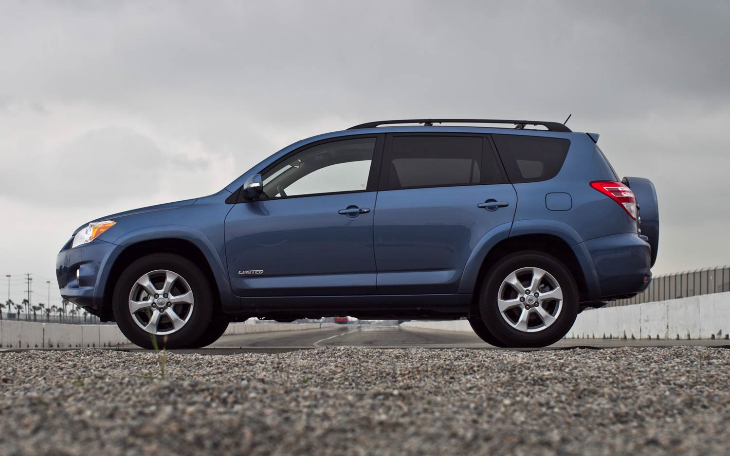 2011 Toyota Rav4 Limited V 6 Side View