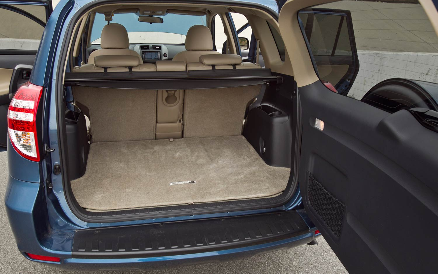 2011 Toyota Rav4 Limited V 6 Rear Interior Cargo Space