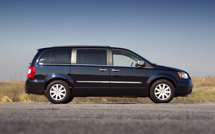 2011 Chrysler Town And Country Touring Side