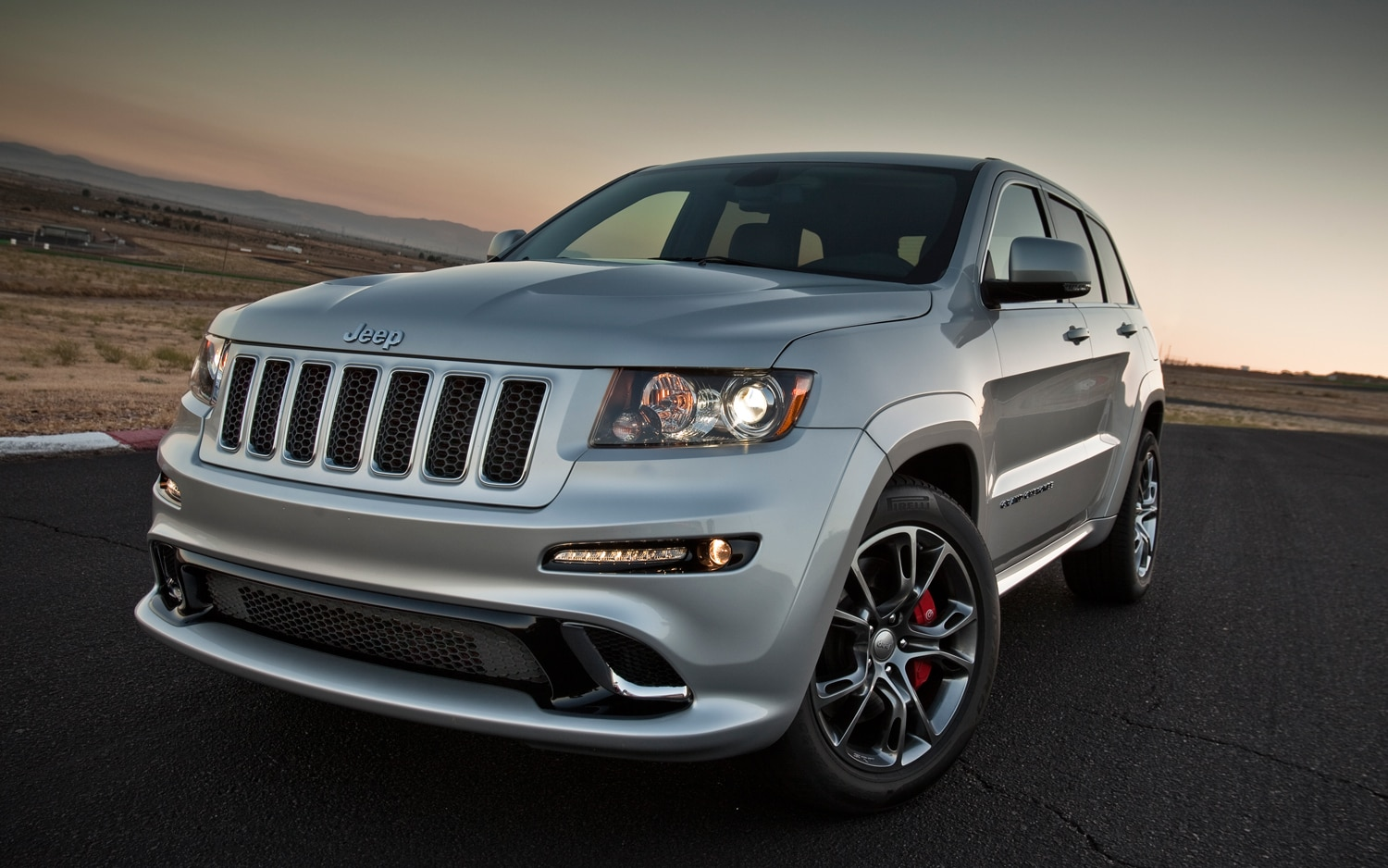 2012 Jeep Grand Cherokee SRT8 Front Three Quarters View