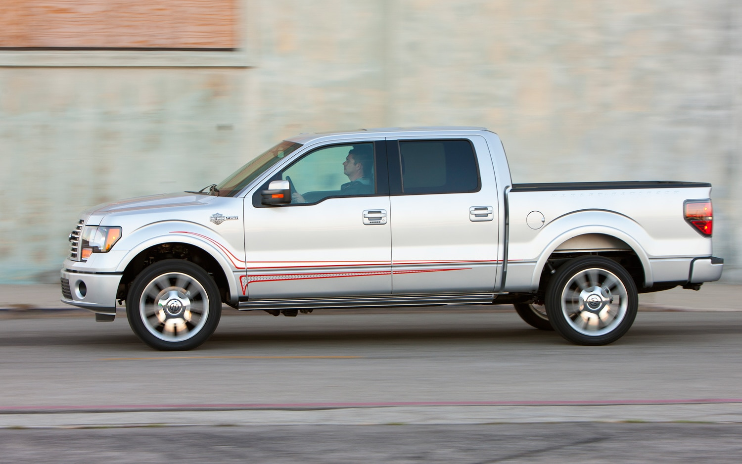 2011 Ford F-150 Harley-Davidson Edition First Test - Motor ...