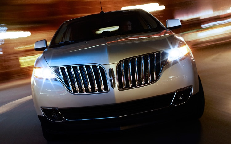 2011 Lincoln MKX Front Grill In Motion