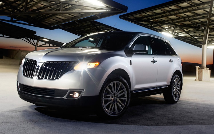 2011 Lincoln MKX Front Three Quarter View