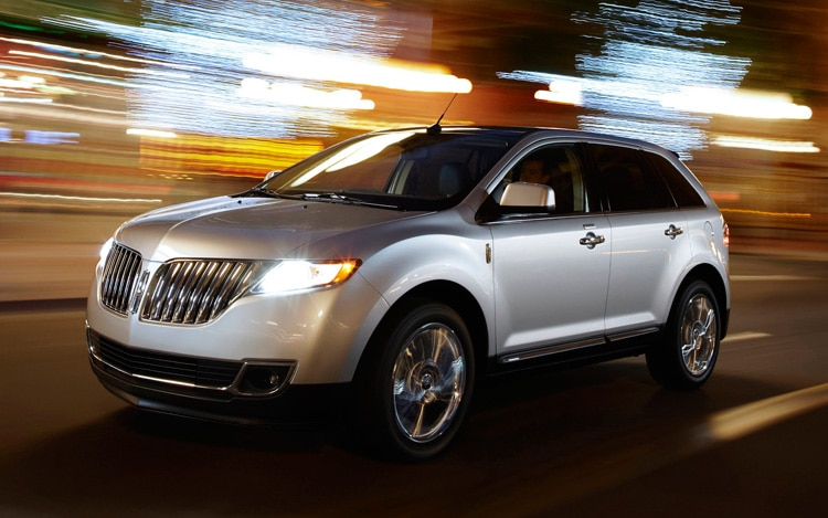 2011 Lincoln MKX Front View In Motion
