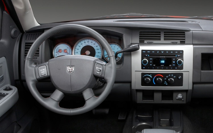 2011 Dodge Dakota Dash