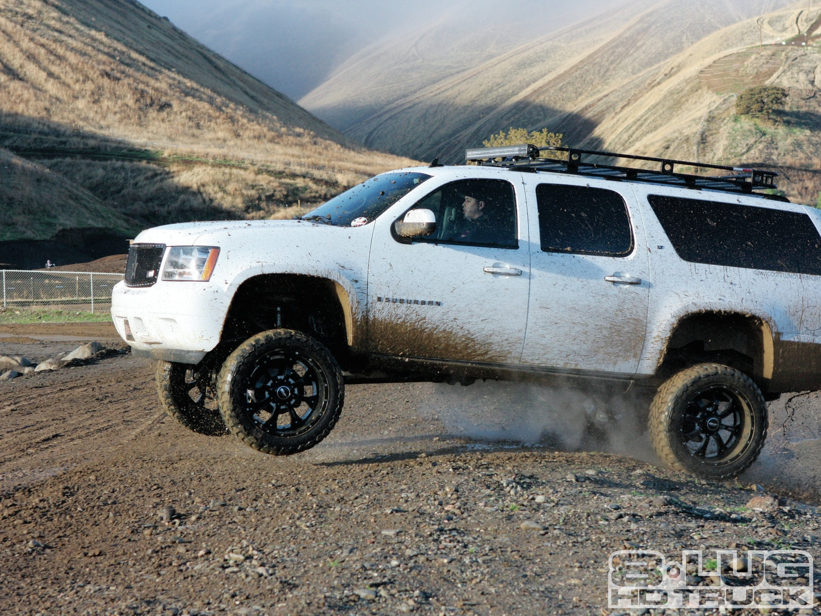 The Burb 2007 Chevy 2500 Suburban Photo Image Gallery