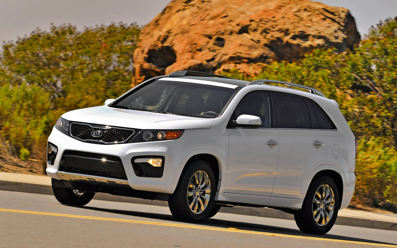 2012 Kia Sorento Front Left Side View 3
