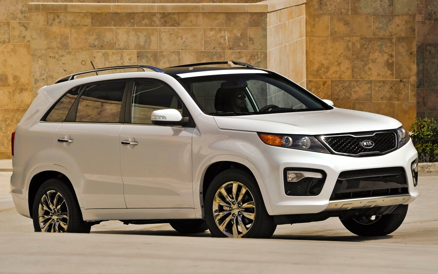 2012 Kia Sorento Front Right Side View 8