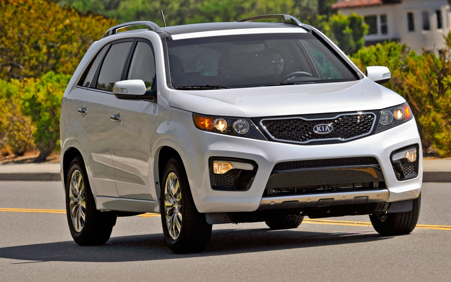 2012 Kia Sorento Front Right View 4