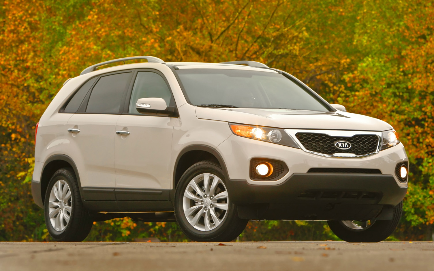 2012 Kia Sorento Front Right Side View 6