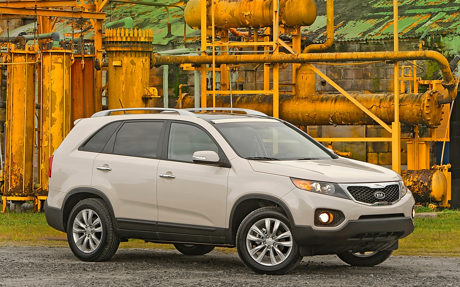 2012 Kia Sorento Front Right Side View