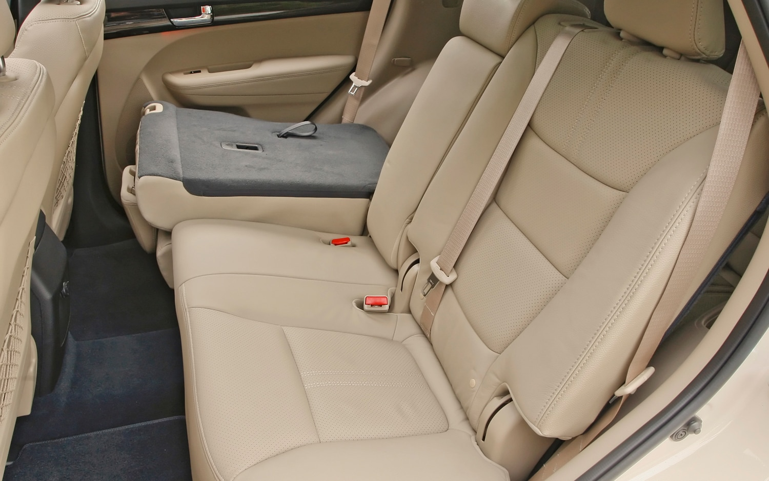 2012 Kia Sorento Rear Seat Folded