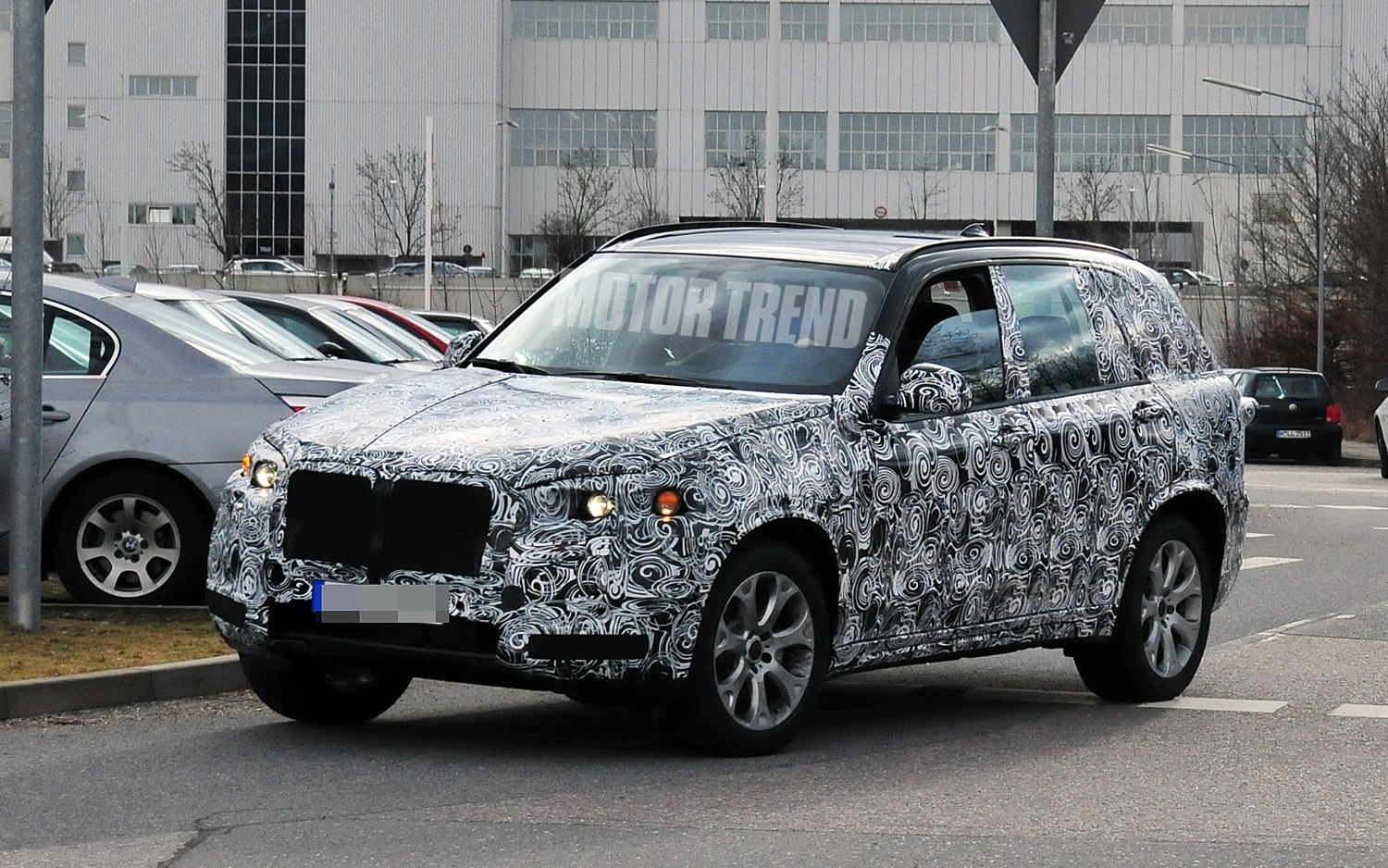 Spied! 2014 BMW X5 Goes For a Drive in Germany