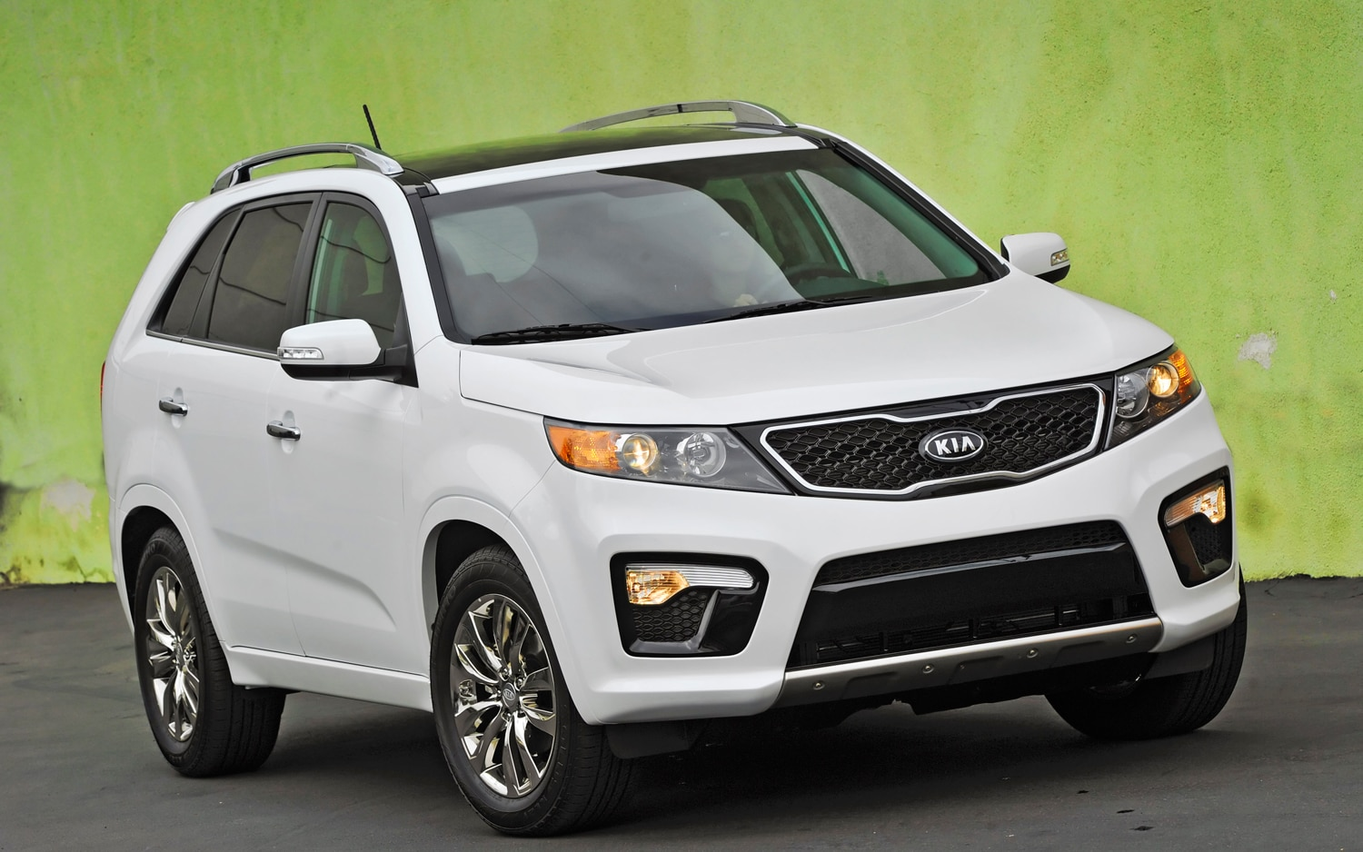 2012 Kia Sorento Front Right View