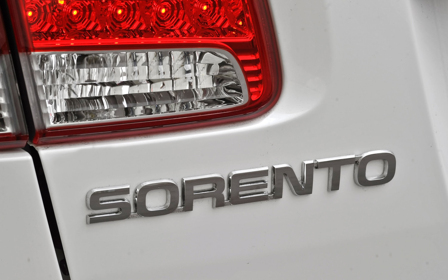 2012 Kia Sorento Rear Badge 2