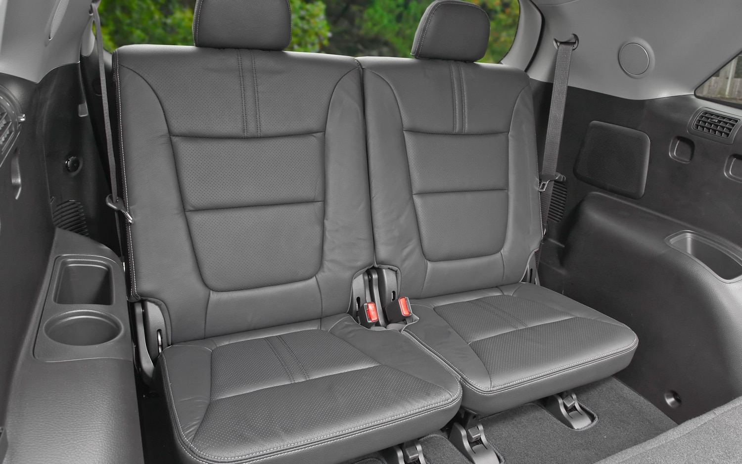 2012 Kia Sorento Rear Seating 3