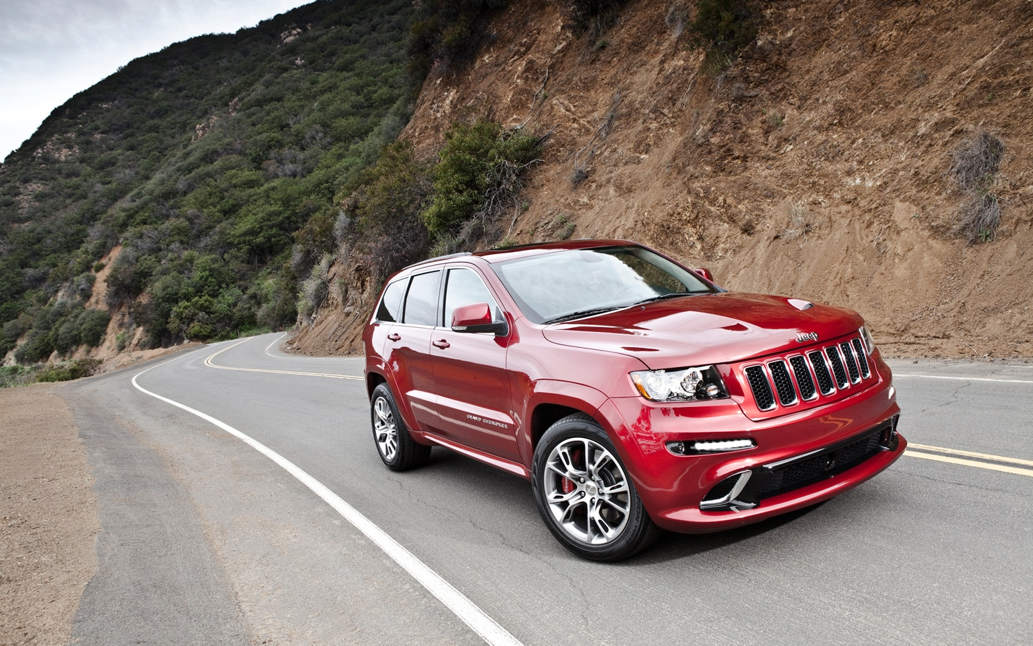 2012 Jeep Grand Cherokee SRT8 Front Three Quarter Static