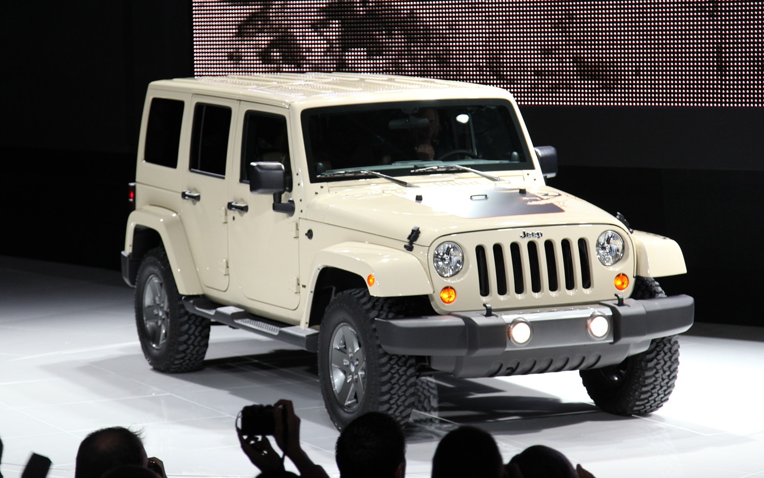 Jeep Wrangler Gets New Mojave Trim Package for 2011 - Auto ...