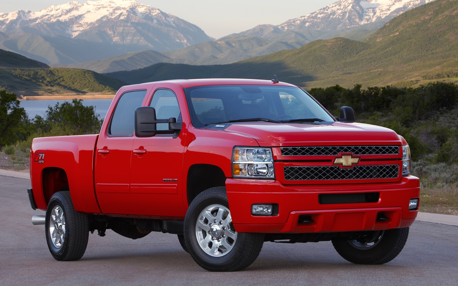 2013 Chevrolet Silverado 2500 HD Front View