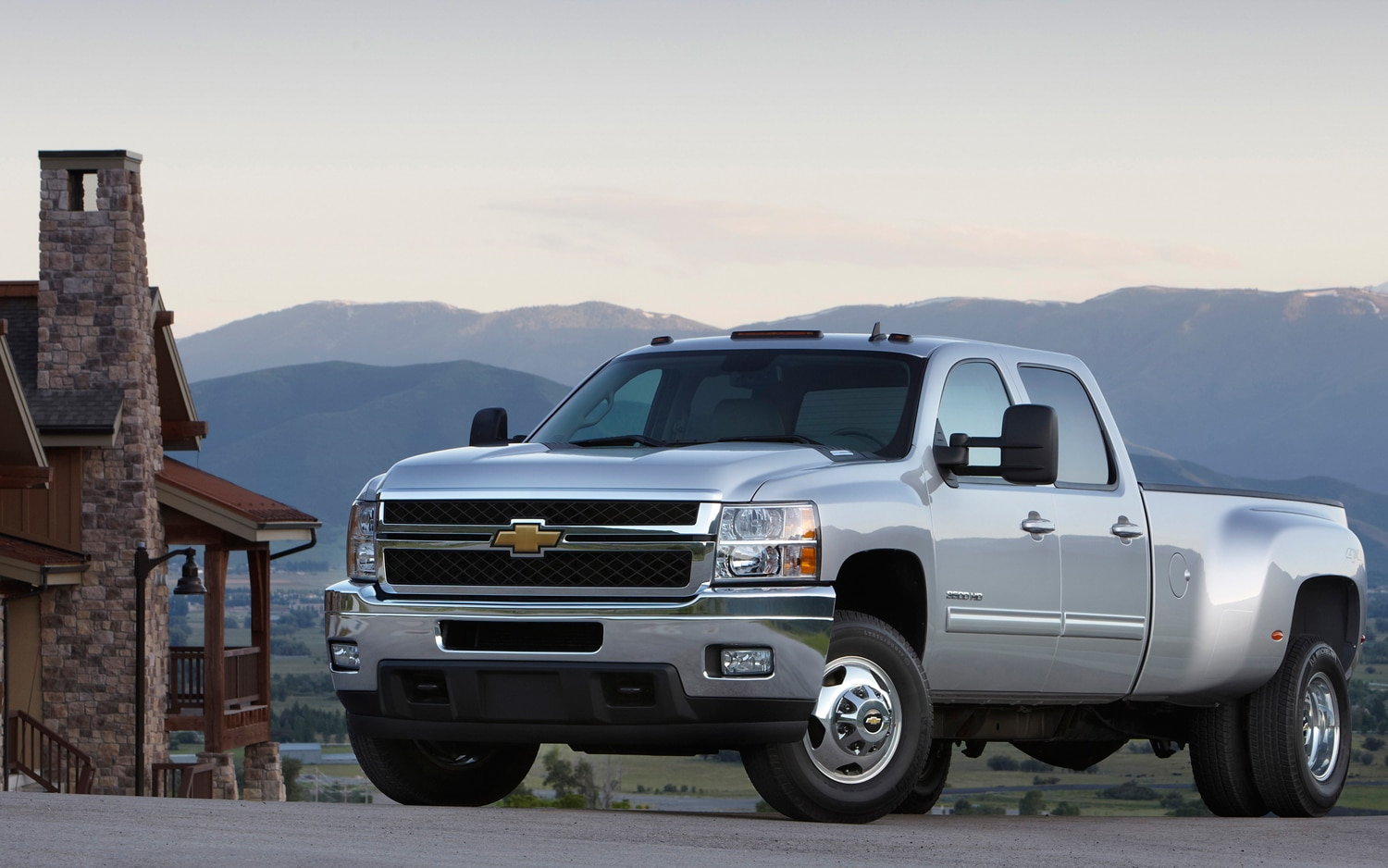 2013 Chevrolet Silverado HD Front View