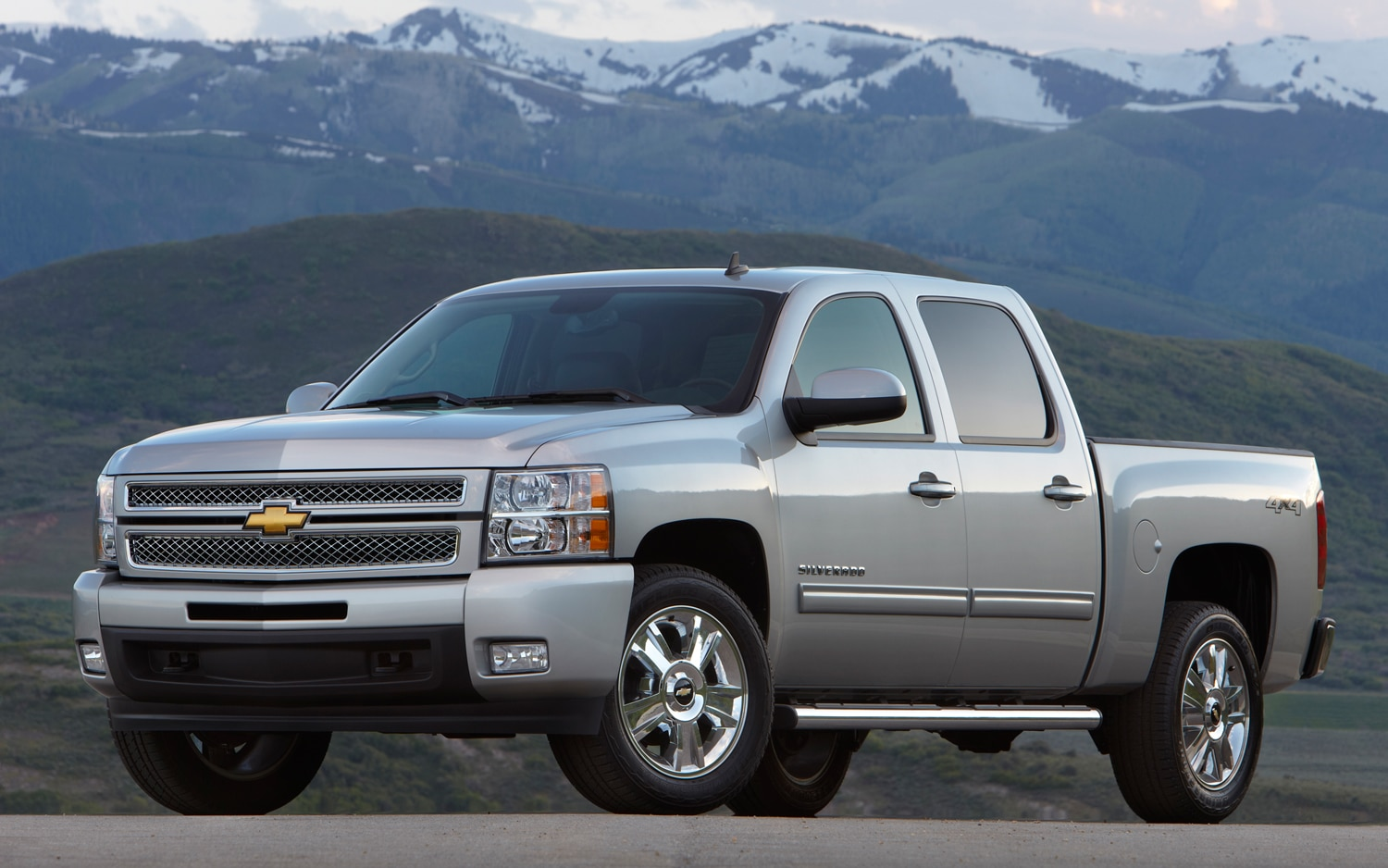 2013 Chevrolet Silverado LTZ Front Three Quarters