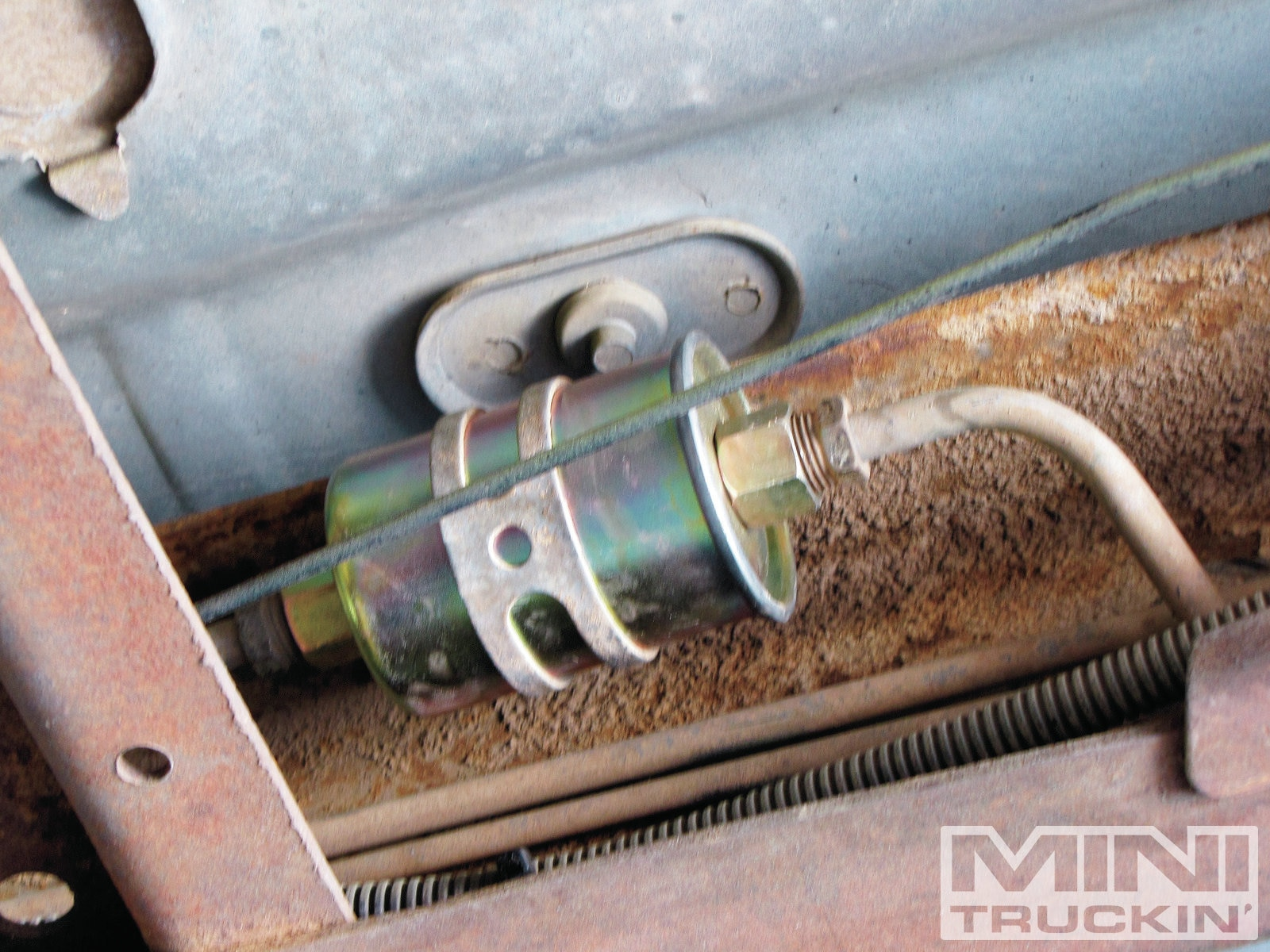 lmc fuel tank in a 1989 chevy s10 built like a tank photo 99 chevy s10 fuel filter 89 s10 fuel filter location #8