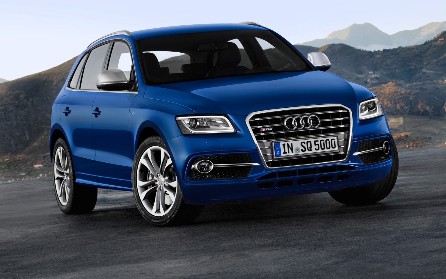 2013 Audi Q5 Front Three Quarter