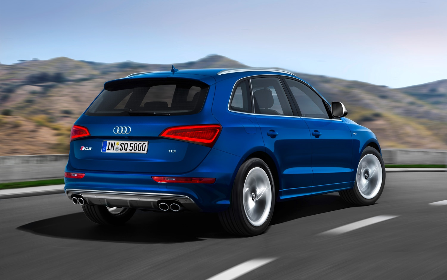 2013 Audi Q5 Rear Three Quarters In Motion