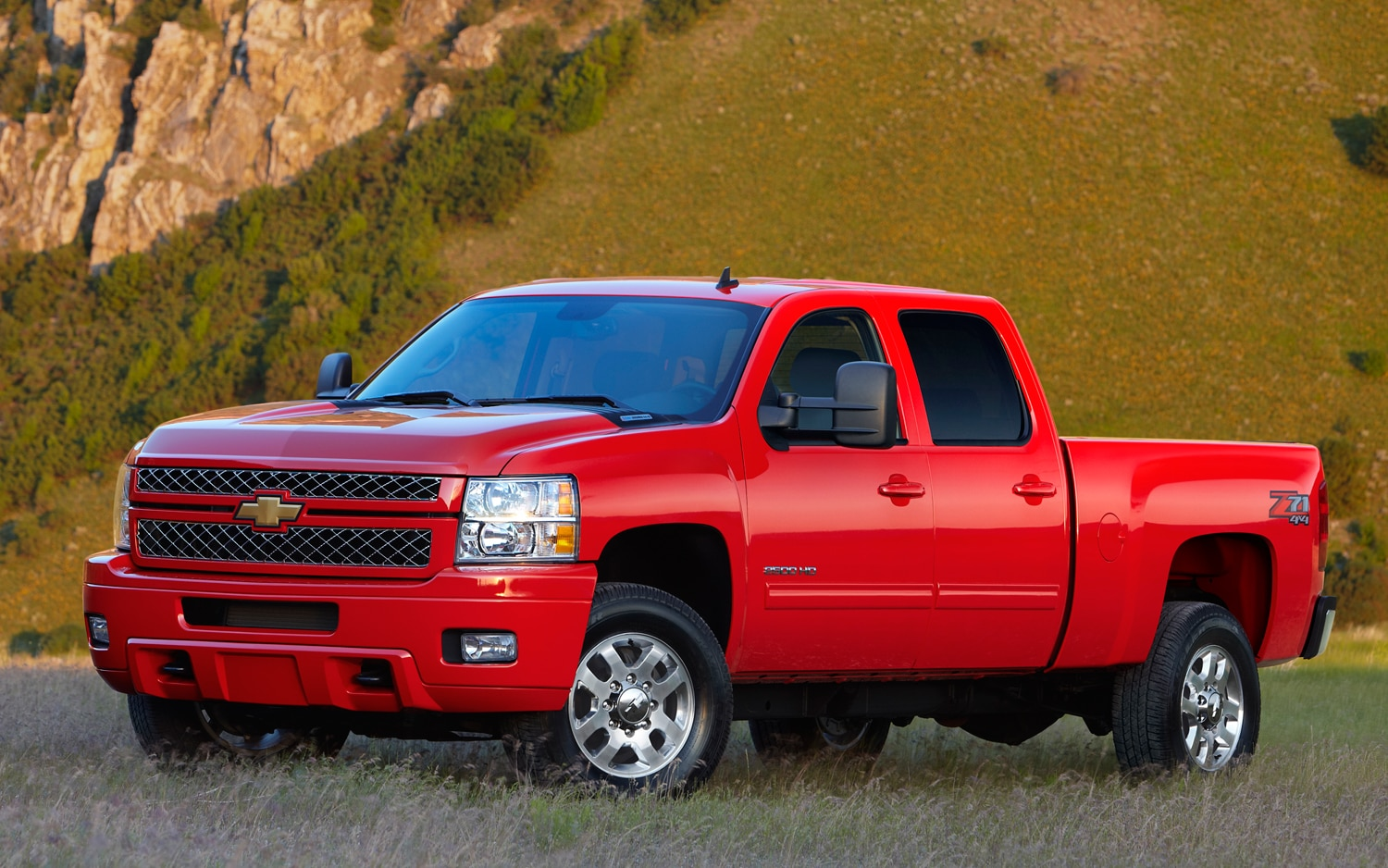 2013 Chevrolet Silverado 2500 HD Front Three Quarters