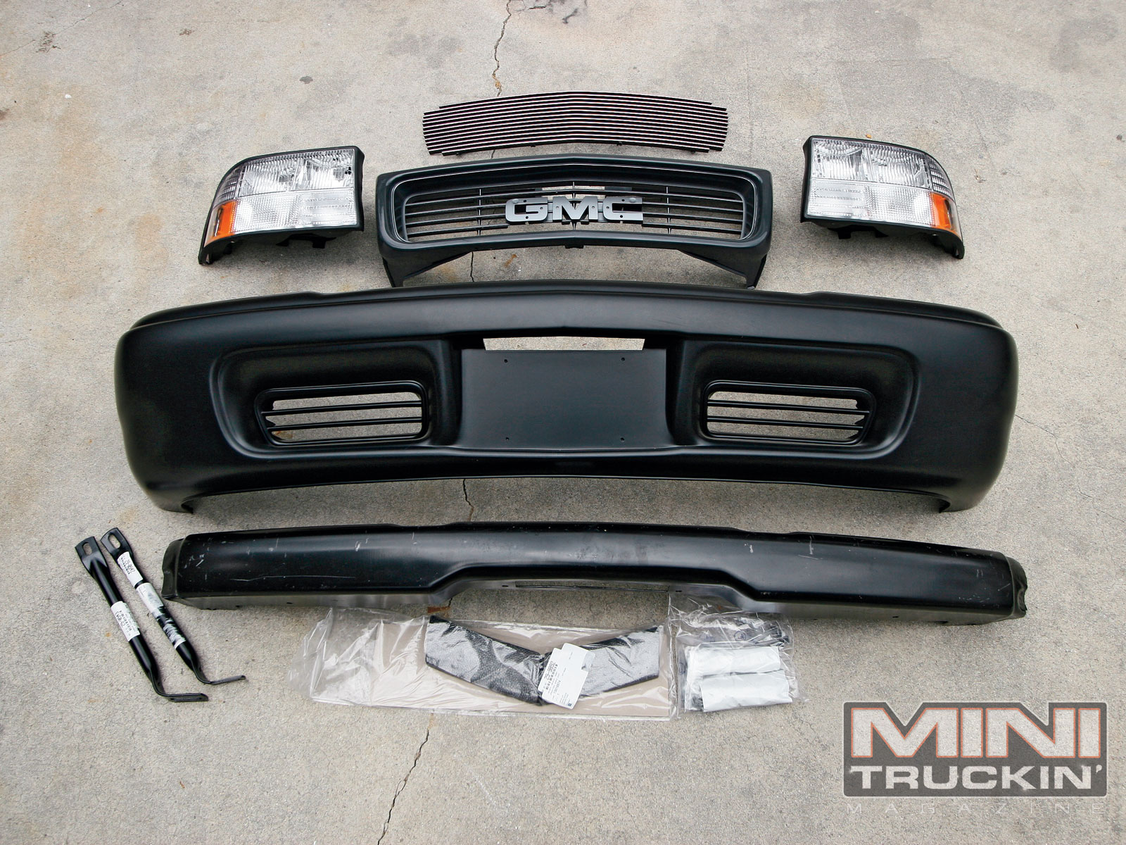 Chevy S10 - GMC Sonoma - Front End Replacement - Mini Truckin' Magazine
