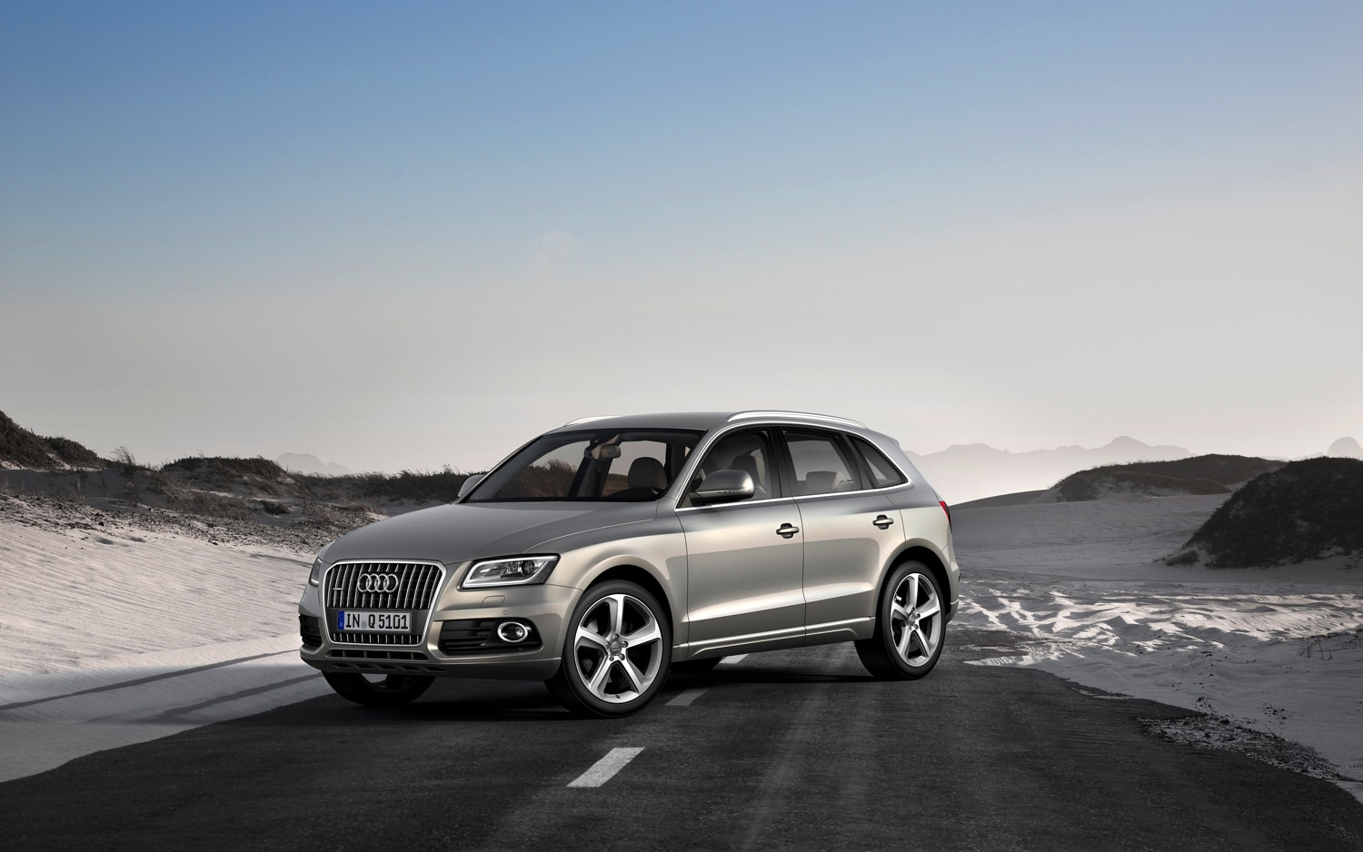 2013 Audi Q5 Front Three Quarters