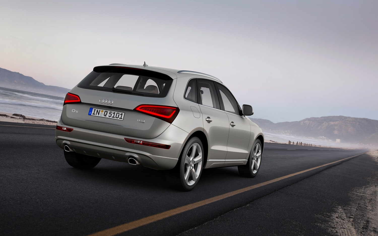 2013 Audi Q5 Rear Three Quarter In Motion