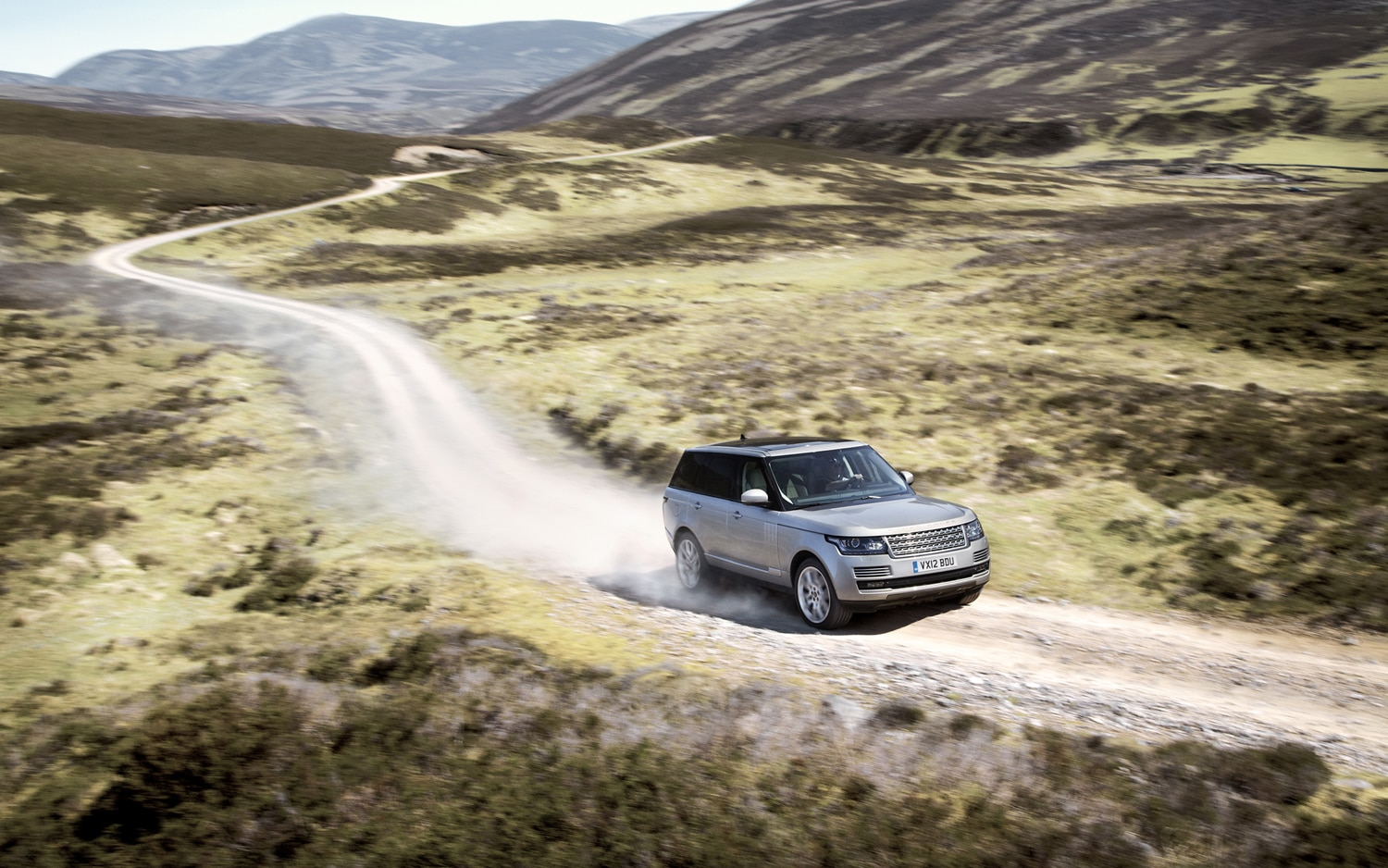 2013 Land Rover Range Rover Front End In Motion 5