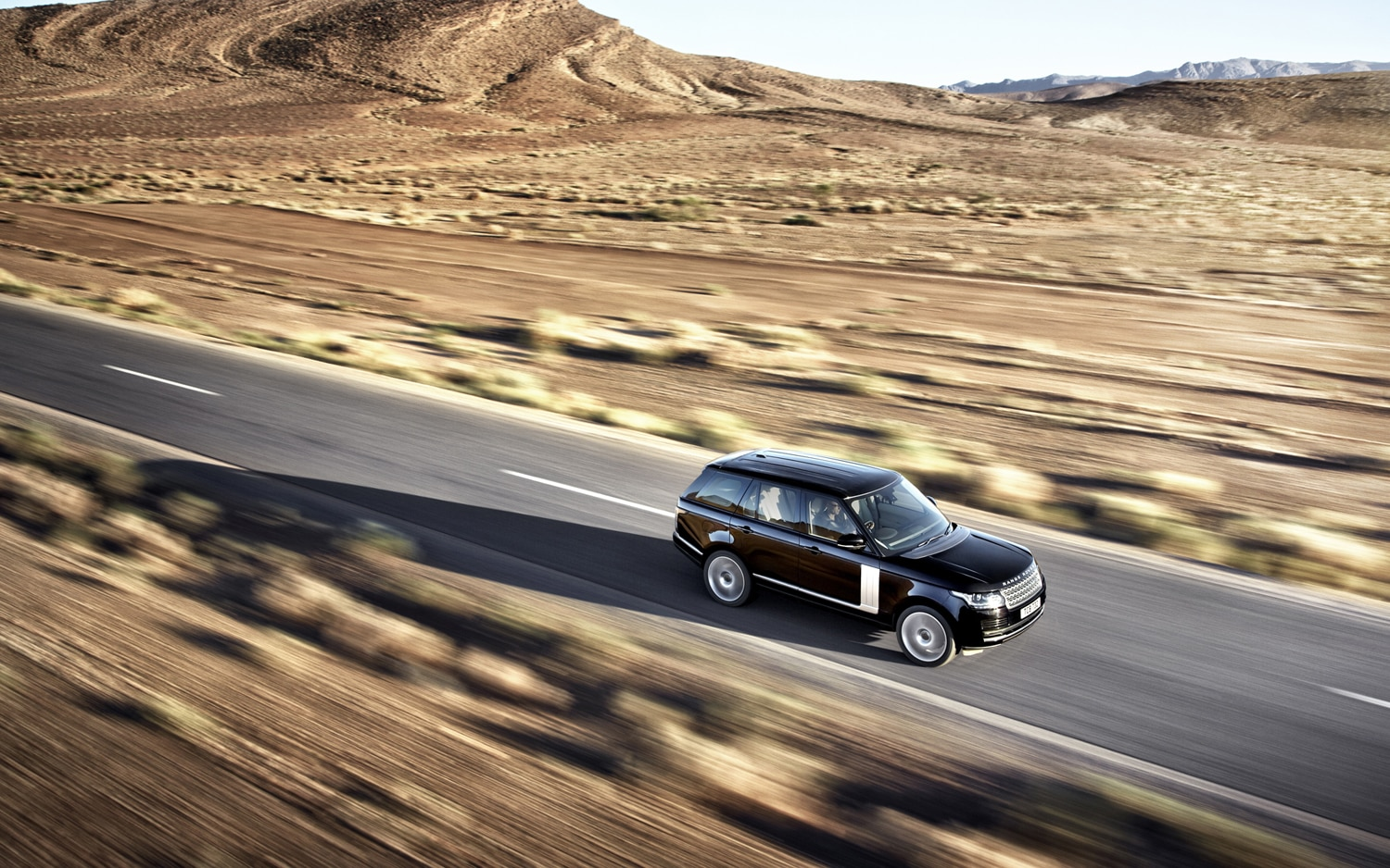2013 Land Rover Range Rover Front Three Quarters In Motion