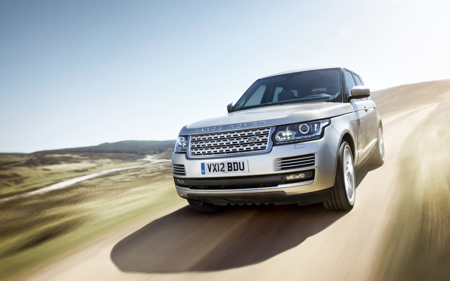 2013 Land Rover Range Rover Front End In Motion 9