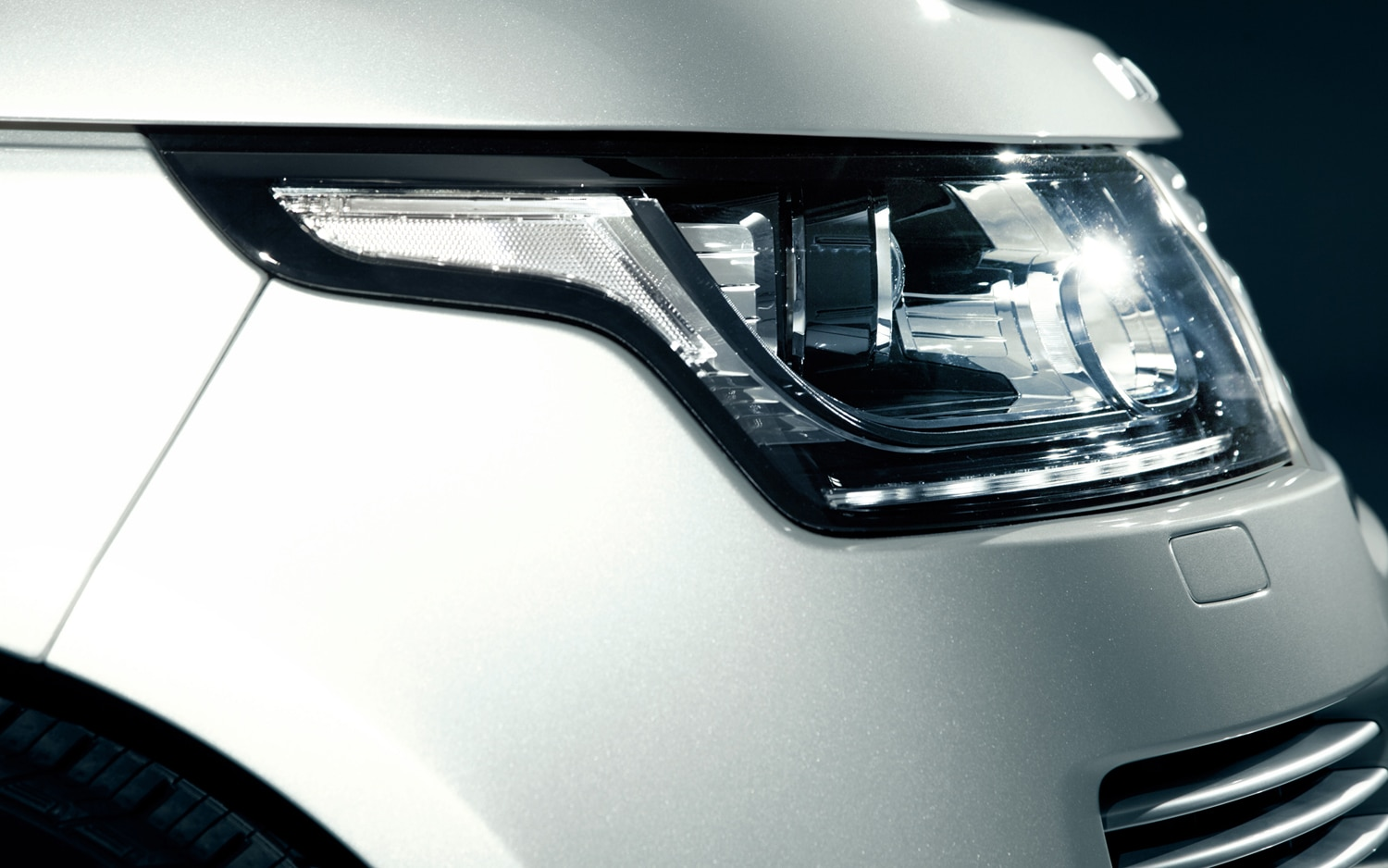 2013 Land Rover Range Rover Headlamp