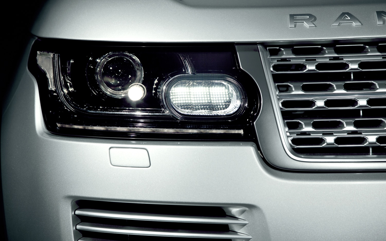 2013 Land Rover Range Rover Headlight