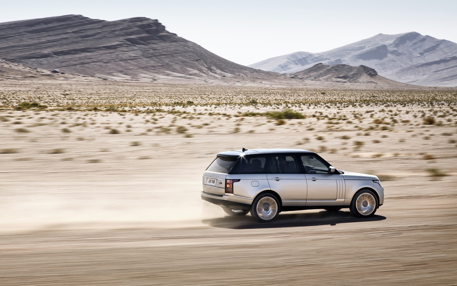 2013 Land Rover Range Rover Side In Motion 3